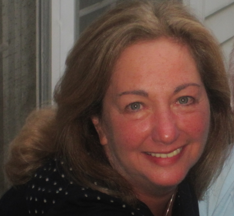 Laurie - Author Photo.jpg